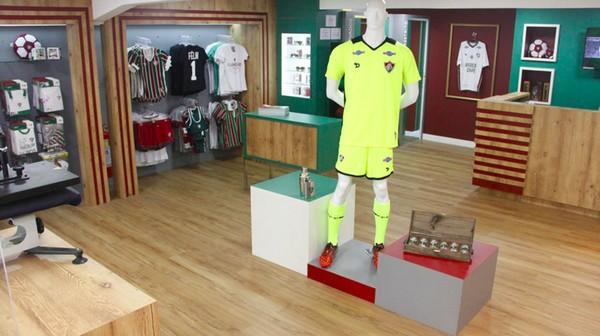 Madeira na loja Fluminense FC